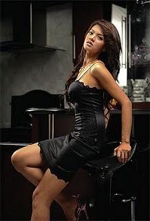 Kumpulan Lengkap Foto Hot Dan Seksi Farah Quinn [ www.BlogApaAja.com ]