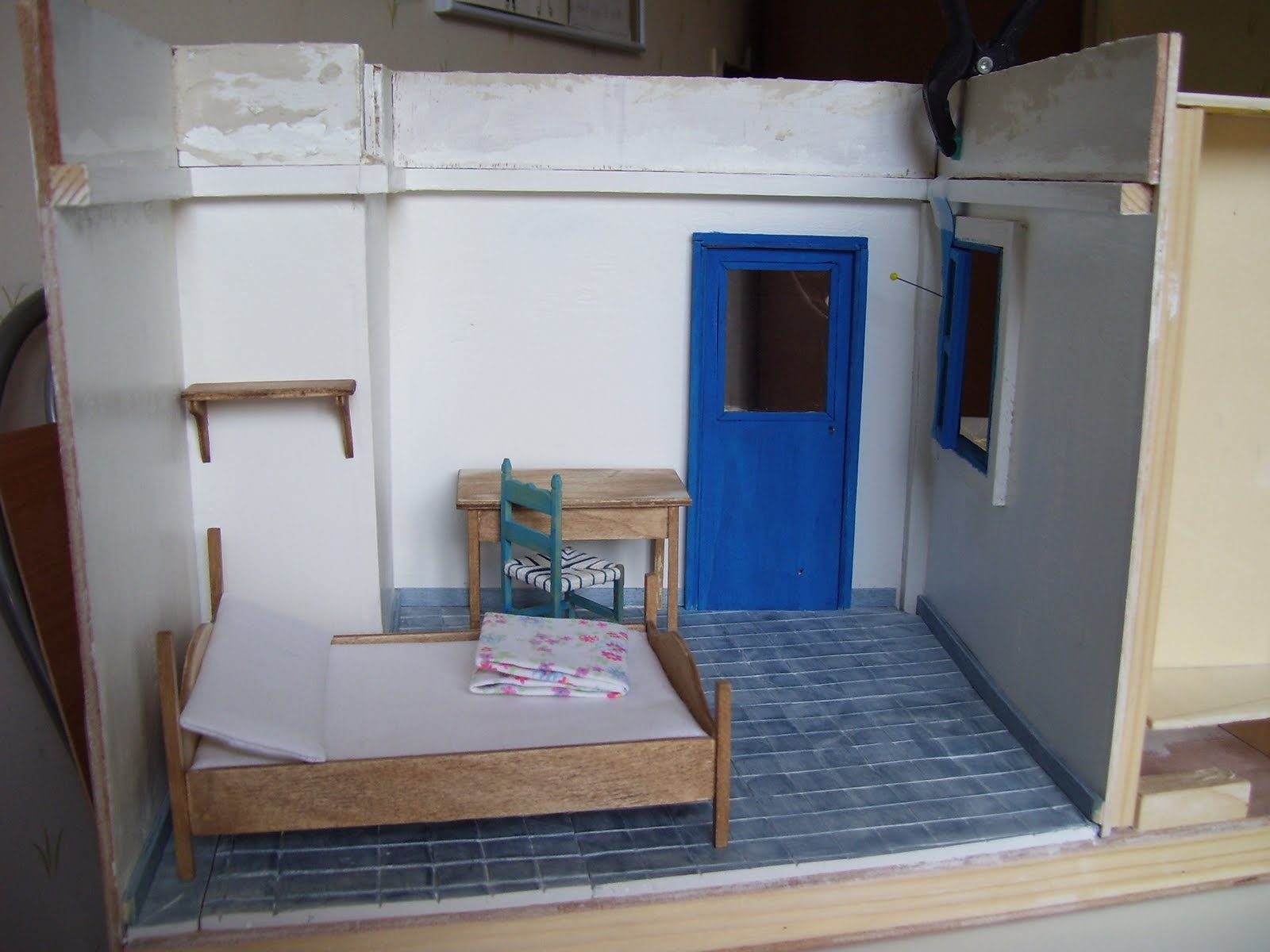 Les miminiatures thera une chambre chez l 39 habitant for Une chambre chez l habitant