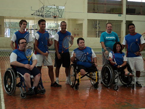 Tênis Adaptado para Cadeirantes.