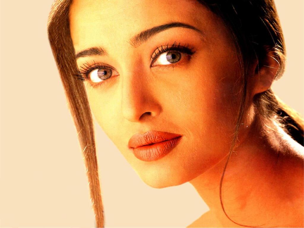 http://1.bp.blogspot.com/-3F_5Ir4Bbus/TtRwRQqB9JI/AAAAAAAAD3k/L7zpU5CHK5Q/s1600/Aishwarya-Rai-1.jpg