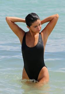性感的成人图片 - Selena Gomez
