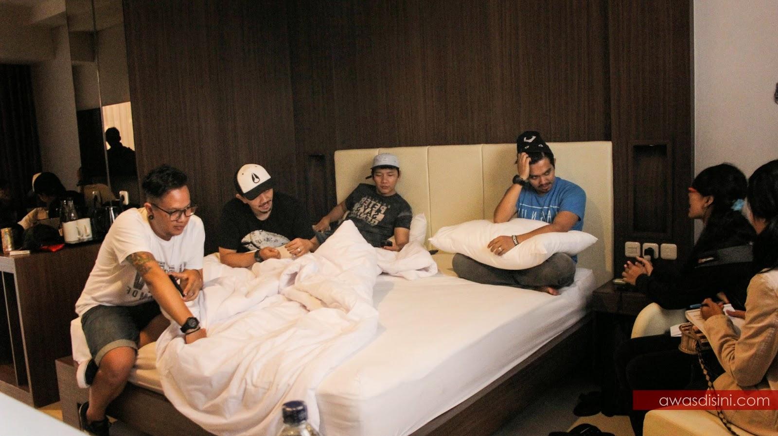 Anugrah Hotel Apa Yang Rocket Rockers Lakukan Di Kamar Hotel Anugerah Sukabumi