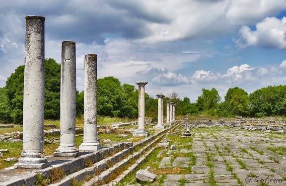 Μνημεία... ίχνη θρησκείας