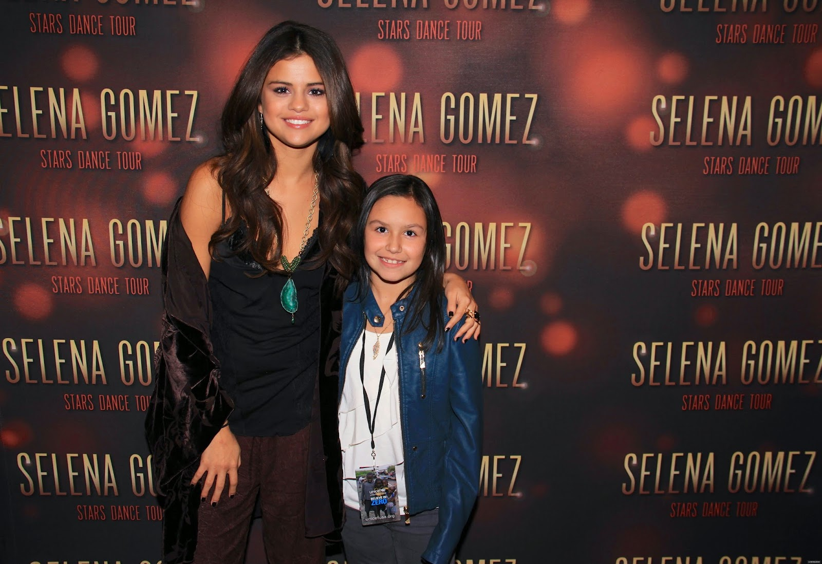Selena gomez style stars dance world tour meet greet indianapolis stars dance world tour meet greet indianapolis indiana nov 19 2013 m4hsunfo