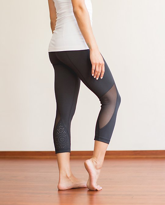 lululemon laser cut wunder under crop stock photo