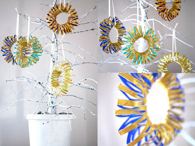 Recycling Toilet Rolls - colourful wreaths
