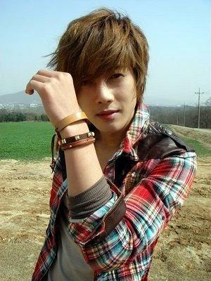 Foto dan Profil Kim Hyun-joong sebagai Baek Seung-joNaughty Kiss