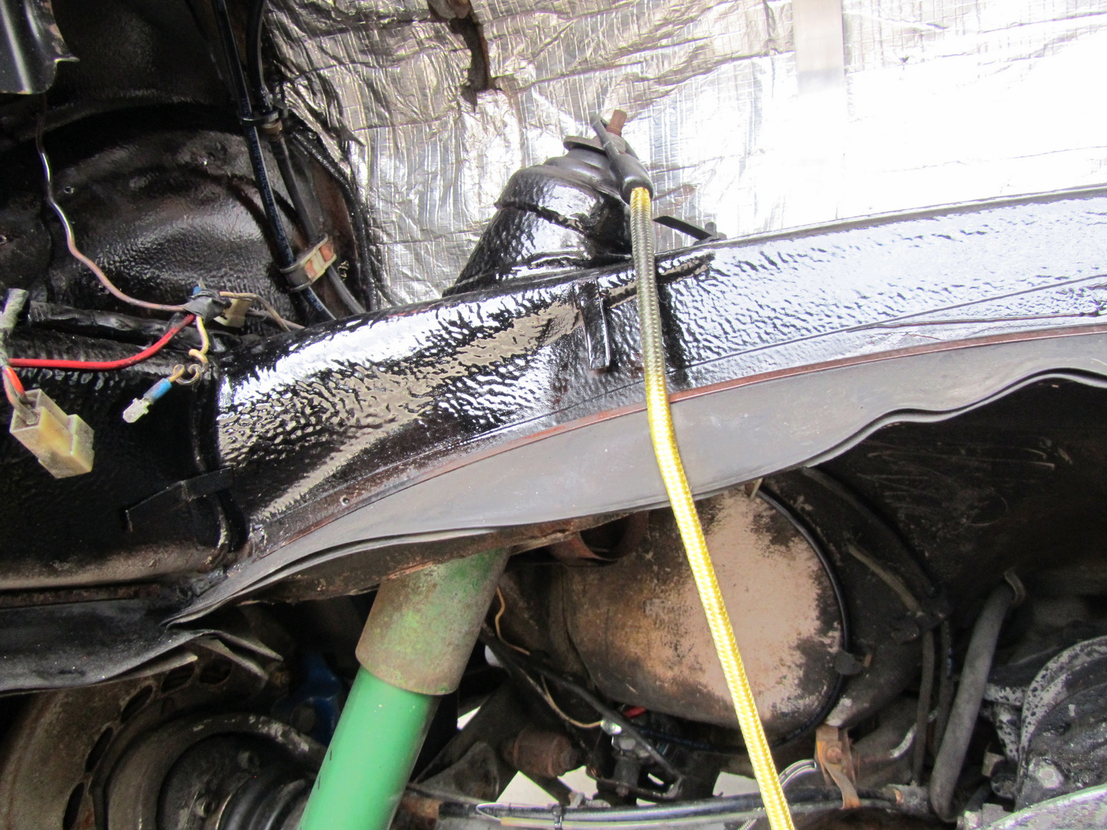 [How To Unblock Fuel Line Inside 2013 Porsche Cayenne Gas ...