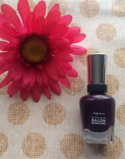 Sally Hansen Pat on the Black nail polish