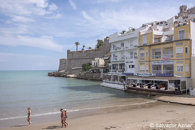 http://www.diariosdeunfotografodeviajes.com/2014/10/restaurante-roca-mar-en-peniscola.html