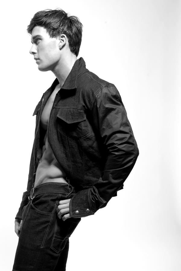 The hot nyc based fitness model robert walter silver models ny
