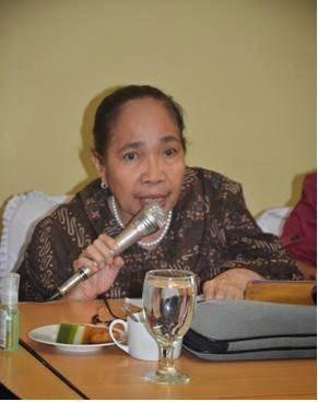 """""""Aku ingin hidup seribu tahun lagi"""" : Solidaritas untuk Aktifis Perempuan: Zohra Andi Baso"""