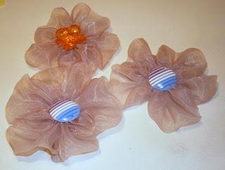 У изготовление цветов из ткани своими руками