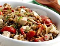 Salada de Lentilha com Cebola Dourada (vegana)