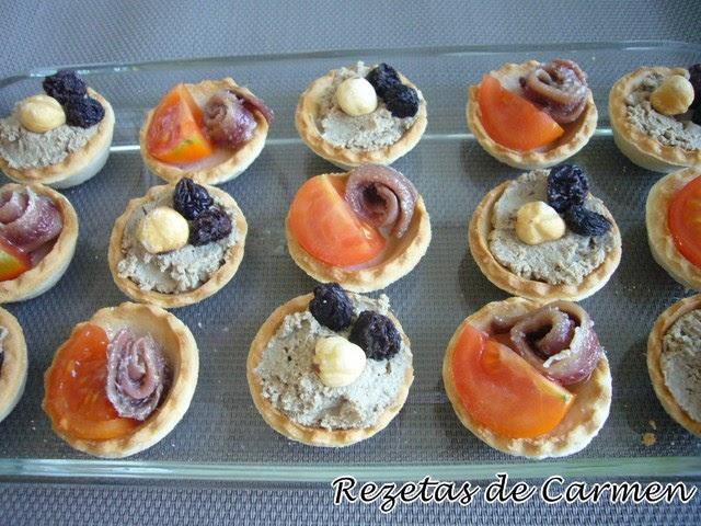 Rezetas de carmen tartaletas de pat con pasas y anchoas for Tapas frias para fiestas
