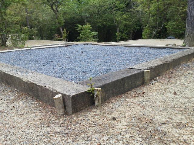中古枕木 キャンプ場 施工例