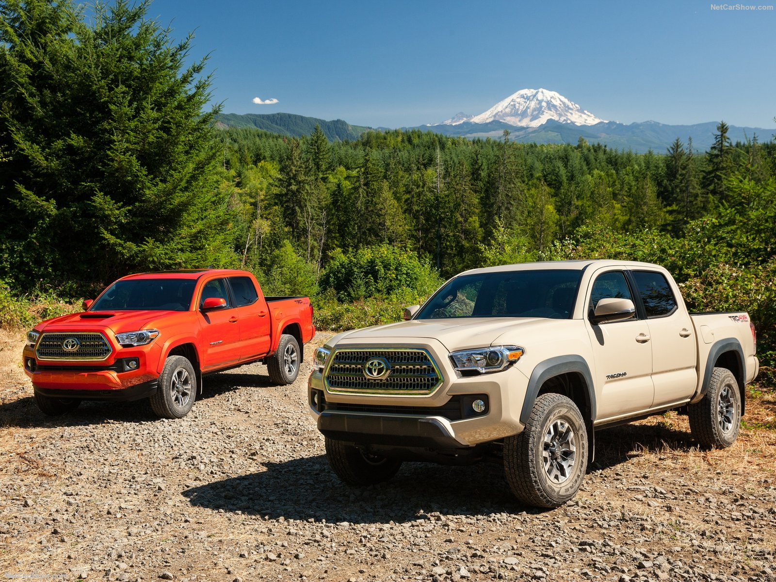 Đánh giá Toyota Tacoma 2016 & giá xe