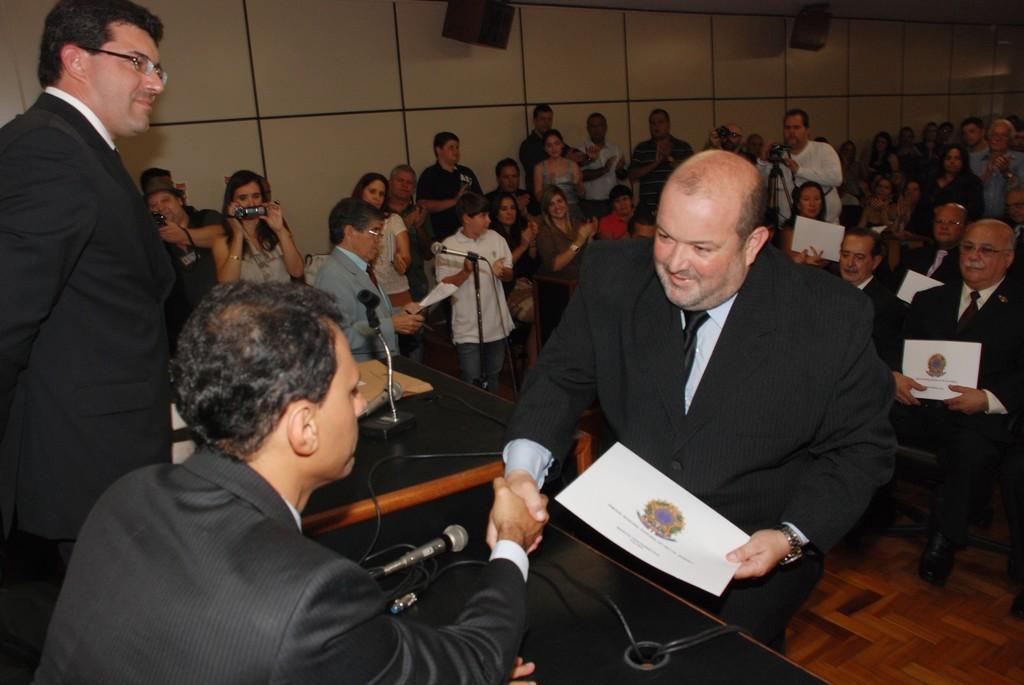 Vice-prefeito eleito Márcio Catão é diplomado pela Justiça Eleitoral