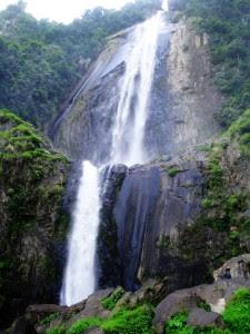 Tempat Wisata di Sumatera Utara Air Terjun Sigura-gura