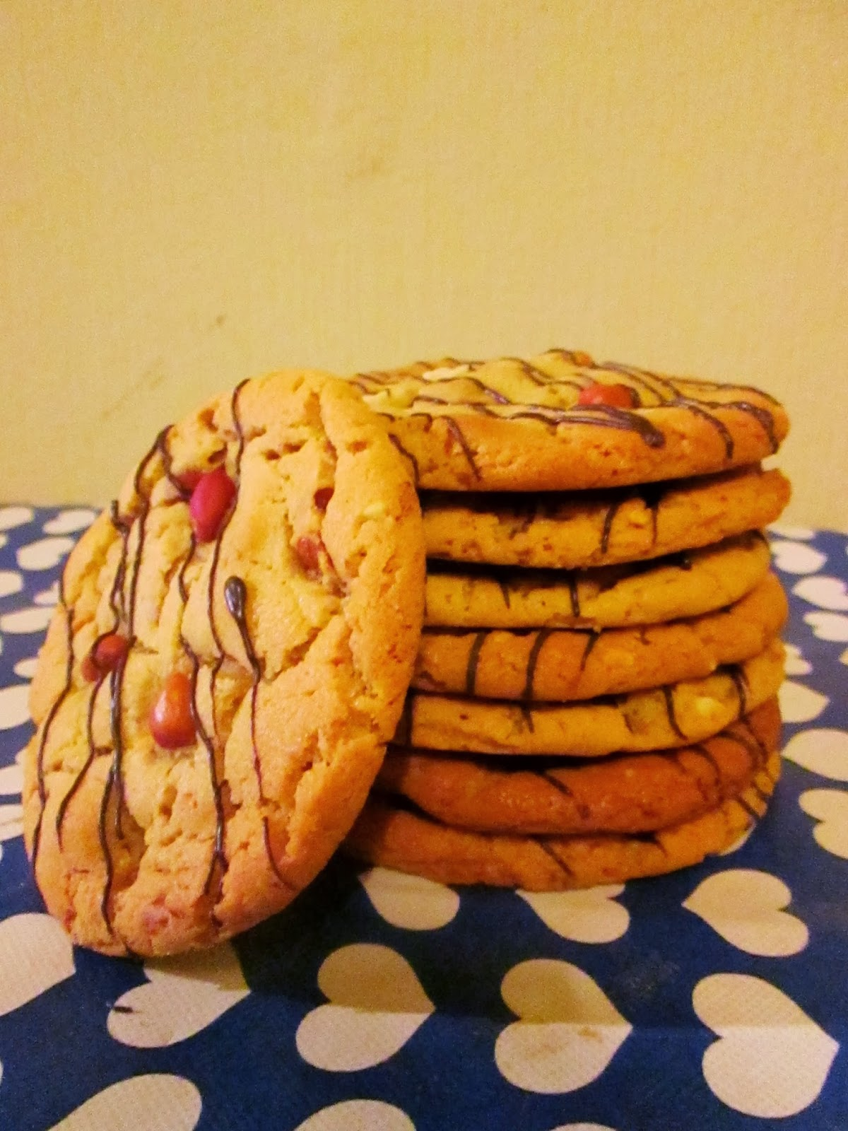 http://themessykitchenuk.blogspot.co.uk/2013/11/peanut-butter-cookies.html
