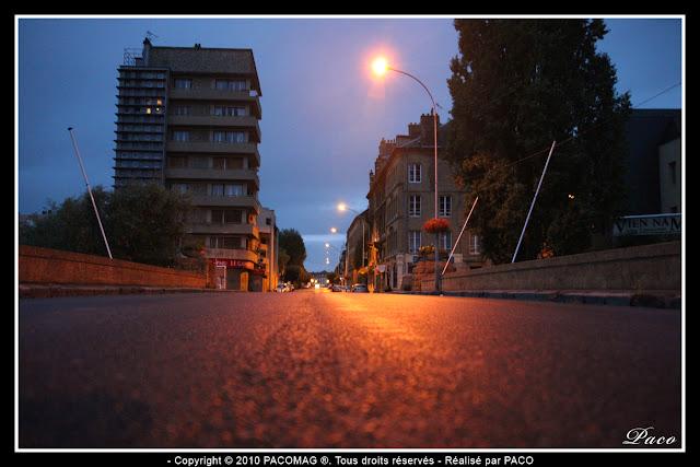 ville de Sedan rue thiers vue depuis le pont de meuse raz du sol