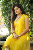 New Actress Noorjahan Photos in Yellow-thumbnail-9