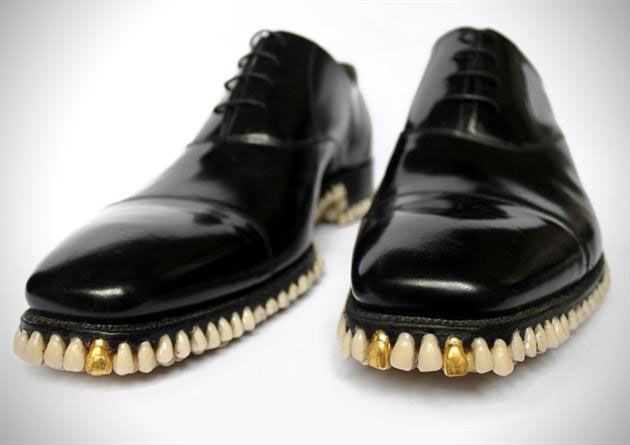 Hii... Sepatu Ini Terbuat Dari 1050 Gigi Manusia! [ www.BlogApaAja.com ]