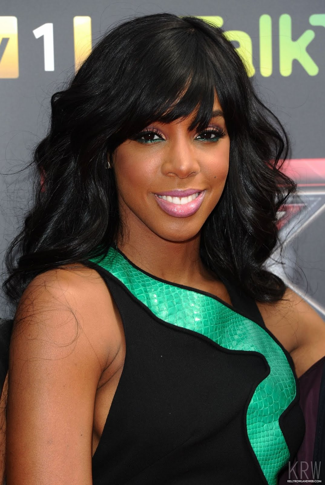 http://1.bp.blogspot.com/-3IumgNrspks/UKhcf8v7tMI/AAAAAAAAG7w/2F-oDmGLe9A/s1600/Kelly-Rowland-at-the-X-Factor-Press-Launch-kelly-rowland-24739420-1342-2000.jpg