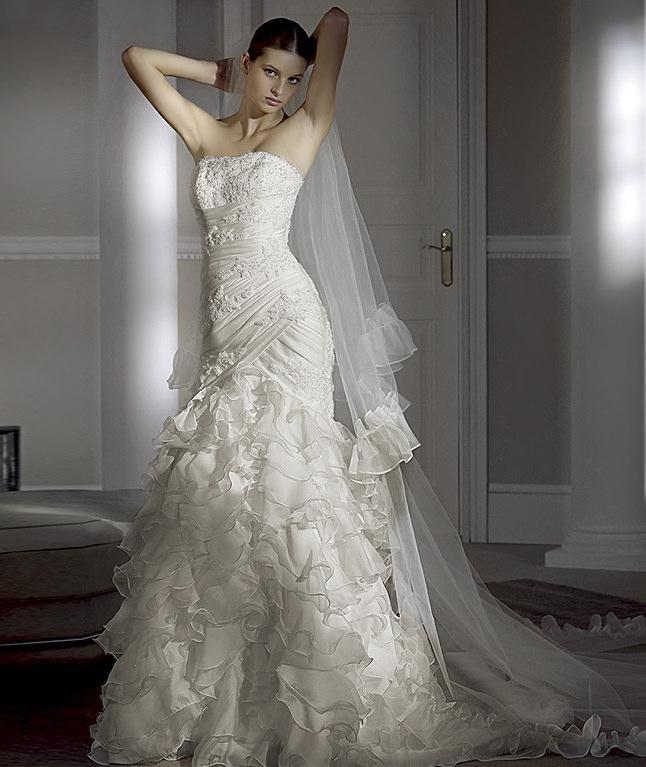Modern Celebrity Wedding Dresses : Modern bridal dress celebrity fashion style
