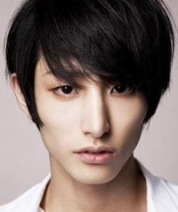 Biodata Lee Soo Hyuk Pemeran Vampire Gwi