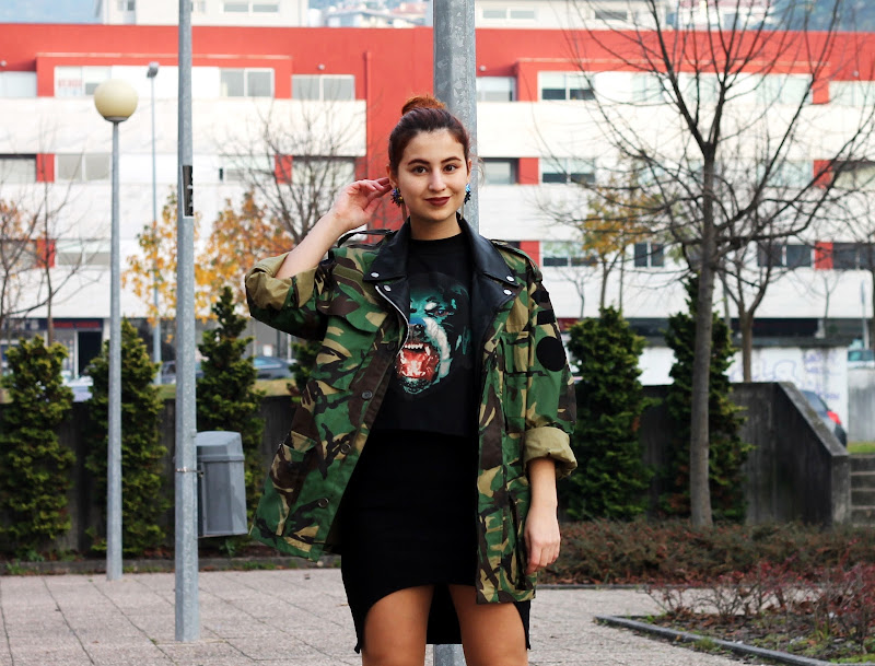 fashion blogger camo jacket with black boots and rottweiler t-shirt Givenchy inspired