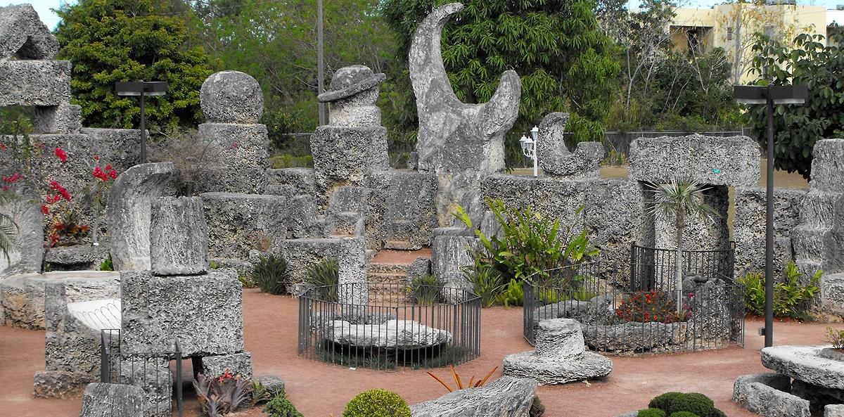 http://1.bp.blogspot.com/-3JeYCbIQAjE/T1bb42r3SRI/AAAAAAAAAYw/Y55u0eYQz1Y/s1600/coral+castle+1.jpg
