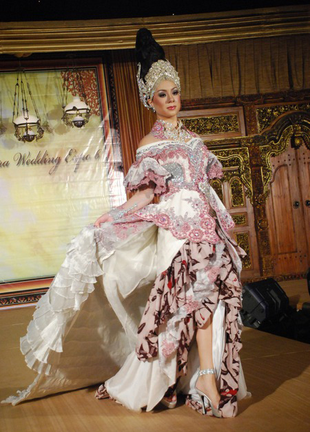 Modern Traditional Wedding Dress
