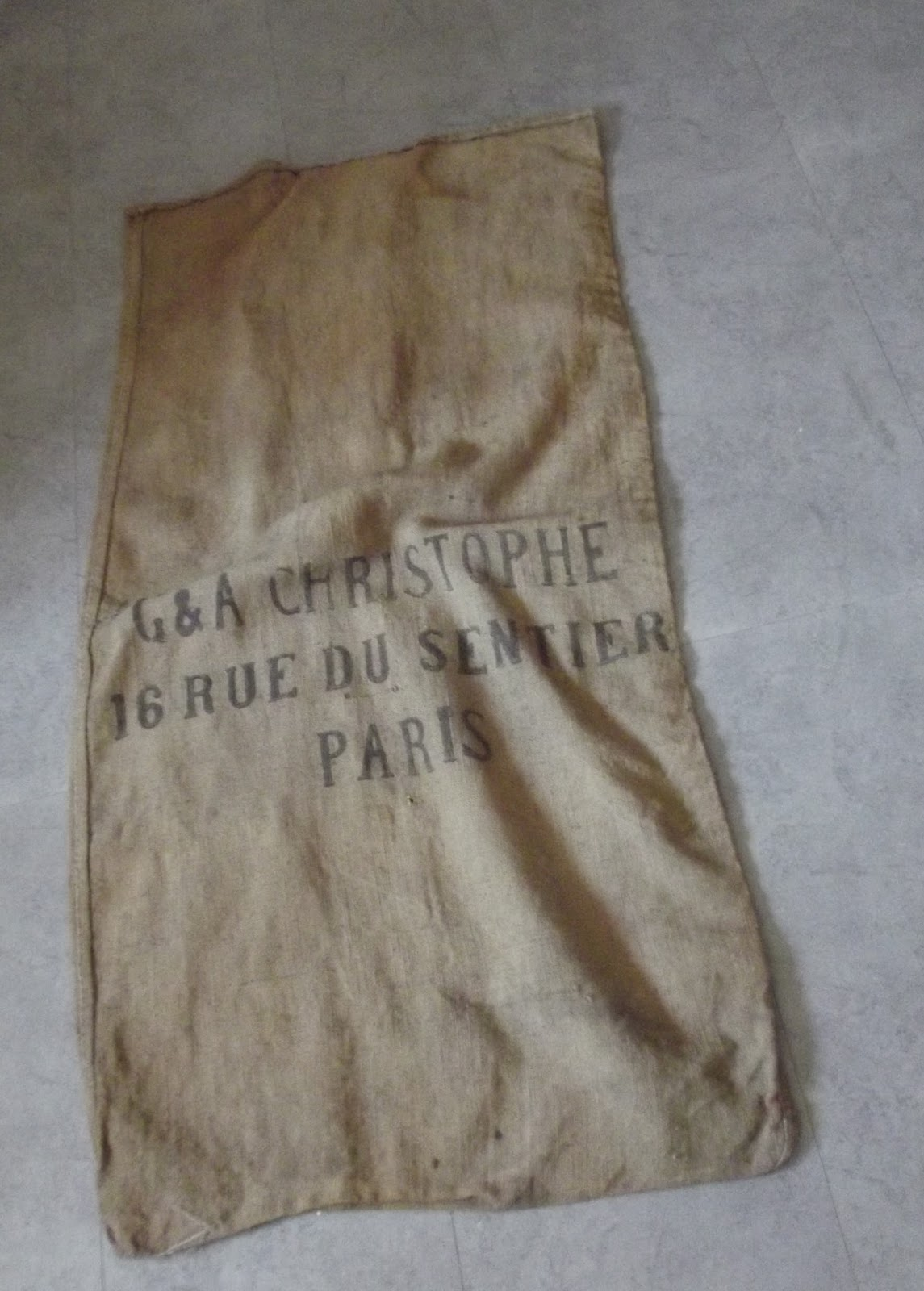 ancien sac a patates en toile de jute le sentier a paris art populaire. Black Bedroom Furniture Sets. Home Design Ideas