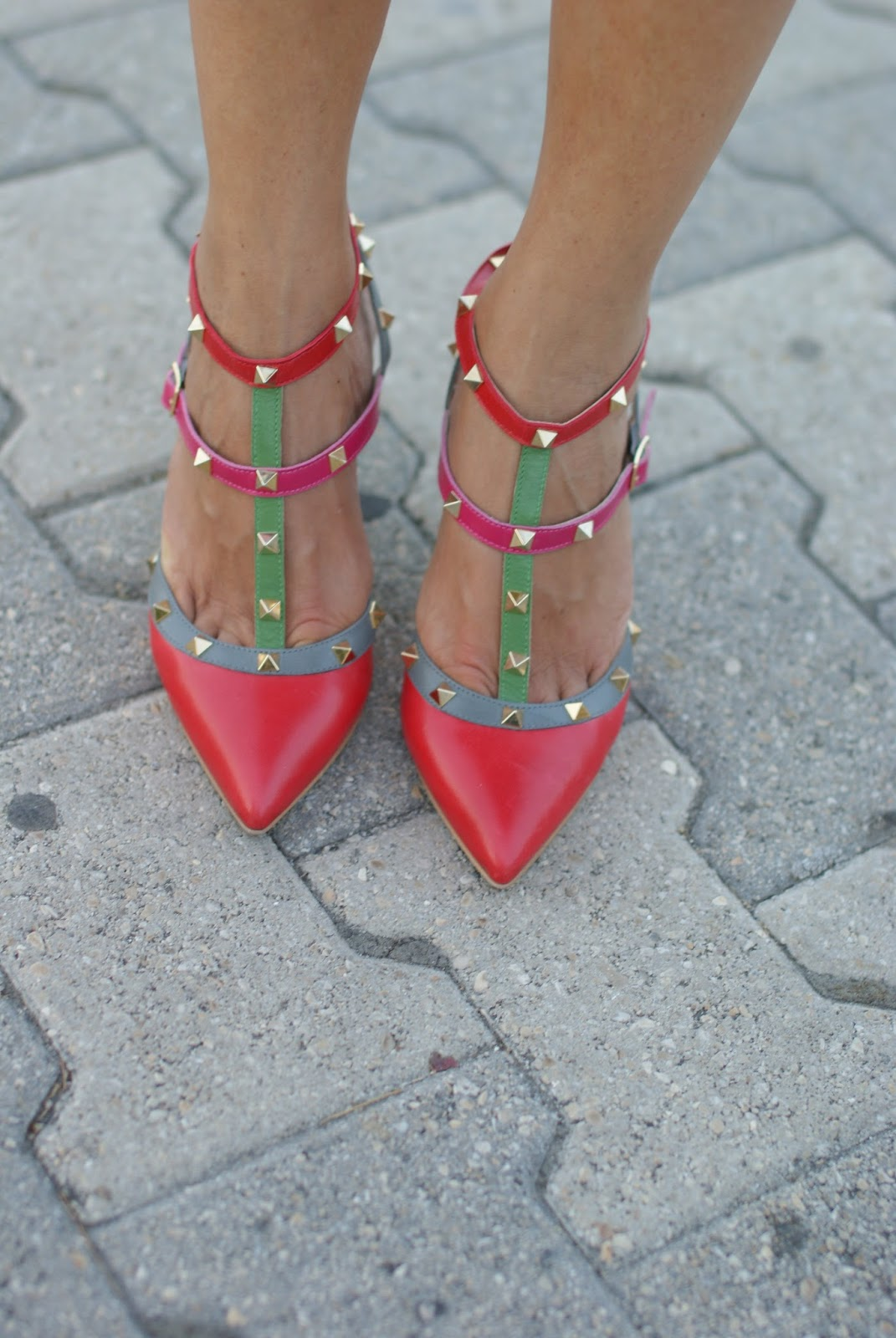 Valentino Rockstud kitten heels best lookalikes on Fashion and Cookies fashion blog, fashion blogger style