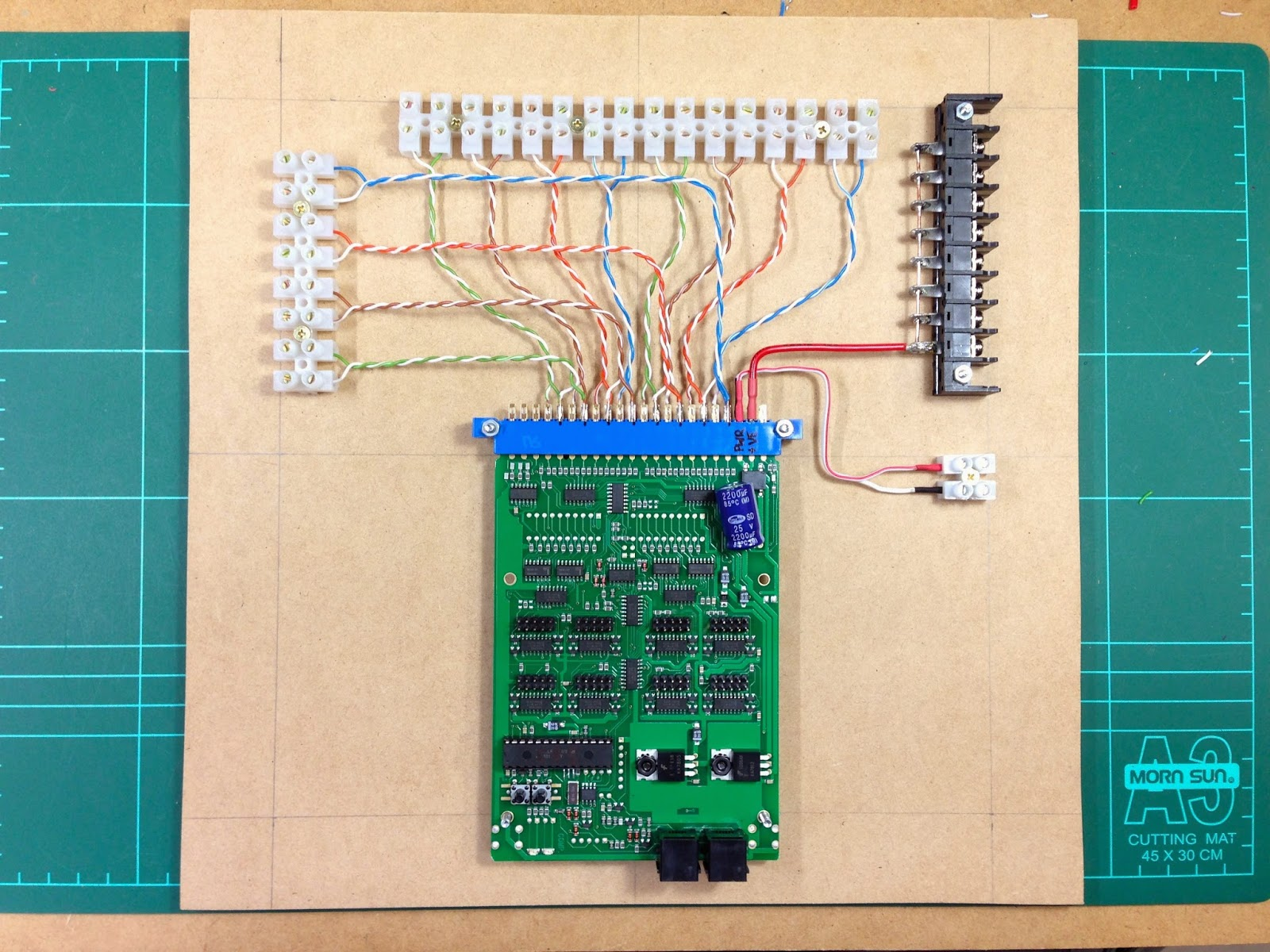 Jlandt Railroad March 2015 Simple Circuit Board Rrcirkits Inc Home Page So In Total We Have Eight 8 Se8cs Three 3 Bdl168s All Placed Onto Mounting Boards And Around The Layout