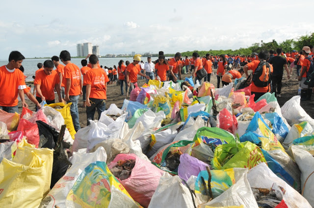 Villar Foundation Partners with DZRH for Manila Bay Cleanup