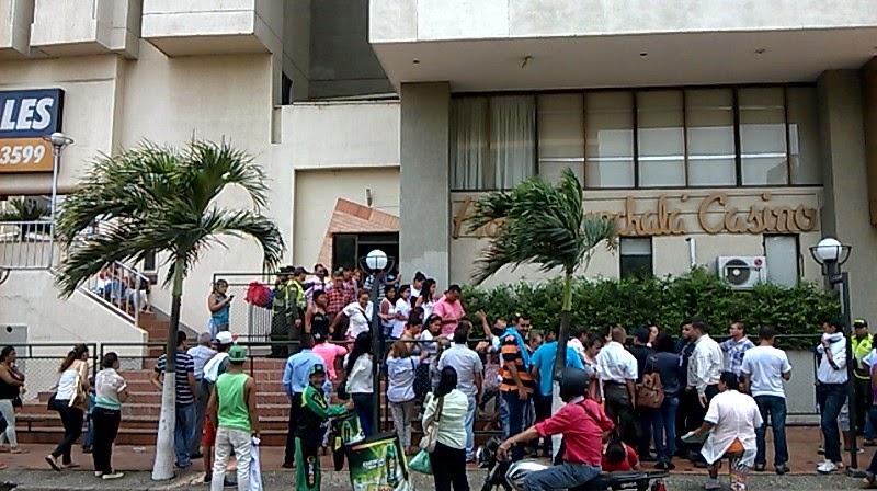 En Cúcuta, en el taller democrático con Uribe y Zuluaga no hubo espacio para tanta gente