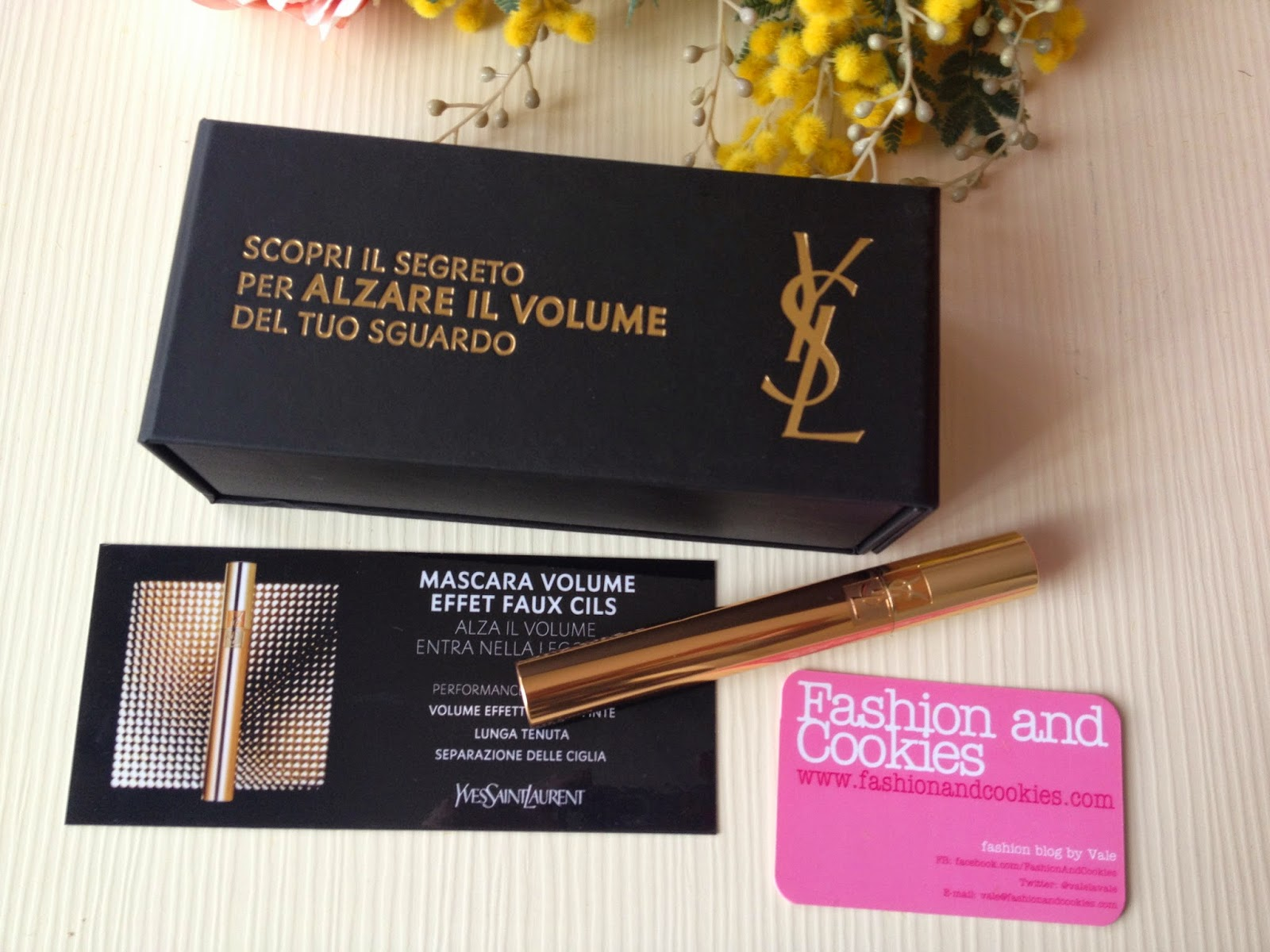 YSL new mascara, YSL Volume Effet Faux Lashes Mascara, Fashion and Cookies fashion blog,  fashion blogger,  YSL mascara review