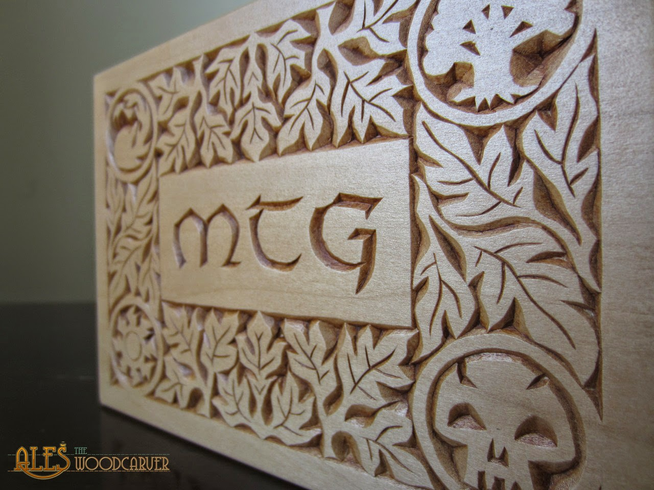 Ales the woodcarver magic the gathering commander deck boxes i avoided the blue mana symbol as i wanted to have the symbols only in corners i find the blue symbol the least appealing for chip carving so it had to go biocorpaavc