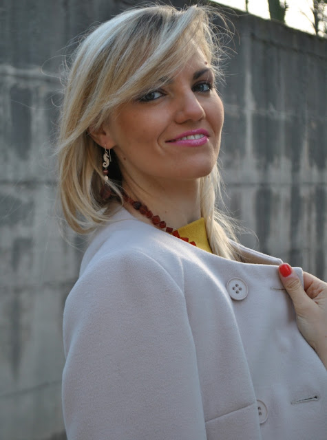 mariafelicia magno fashion blogger ragazze bionde cappotto beige orecchini sara greco collana sara greco italian girl blonde girl blonde hair blondie fashion blogger italiane fashion blogger bergamo fashion blogger milano fashion bloggers italy influencer italiane italian influencer