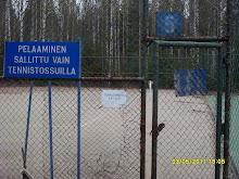 Tervetuloa kesätennikseen Tampereen Kaupin ja Ylöjärven Vuorentaustan tenniskentille