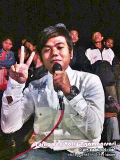 Komentator Volly Putra Ngambarsari