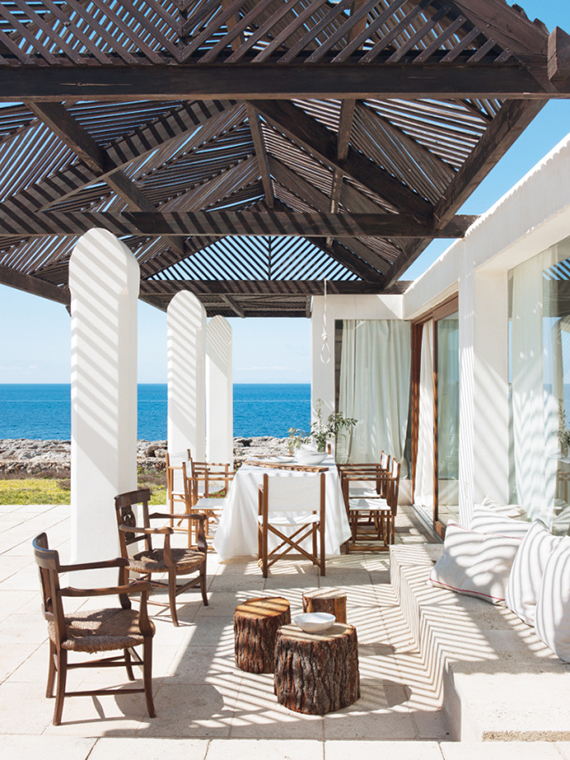 Terrace in Menorca | Photo via Nuevo Estilo