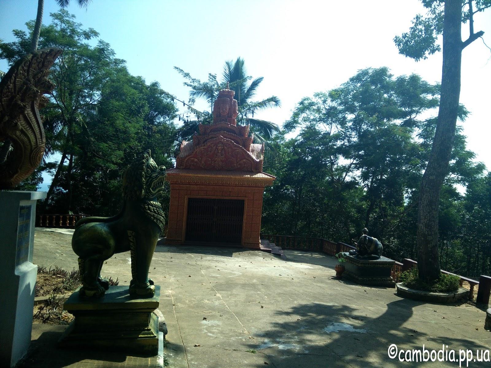 Территория храма Wat Leo в Сиануквиле