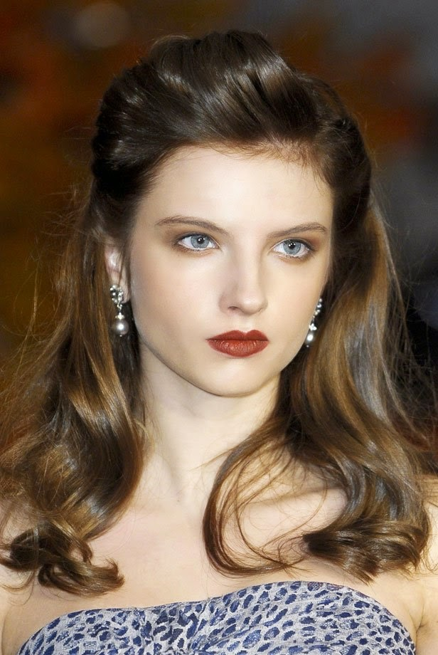 5 Snelle Kapsels voor halflang tot lang haar - party kapsels lang haar