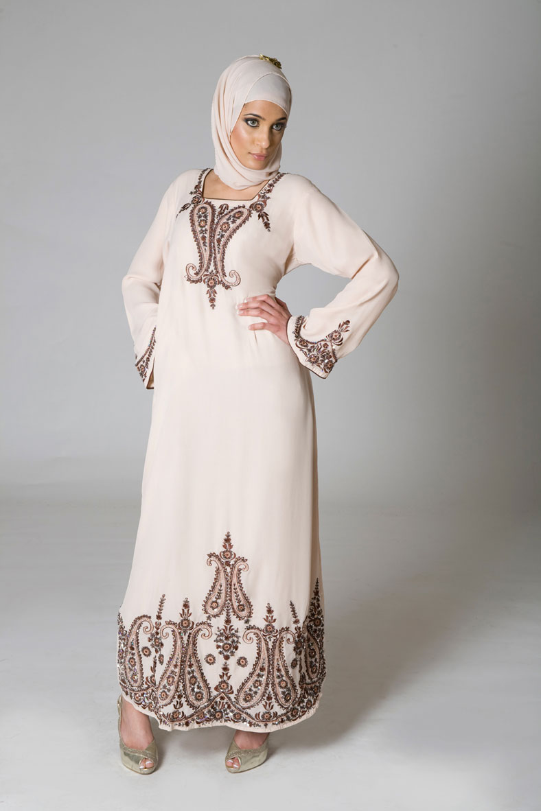 Funlure Abaya A Trend Of Overcoat Iran To Egypt