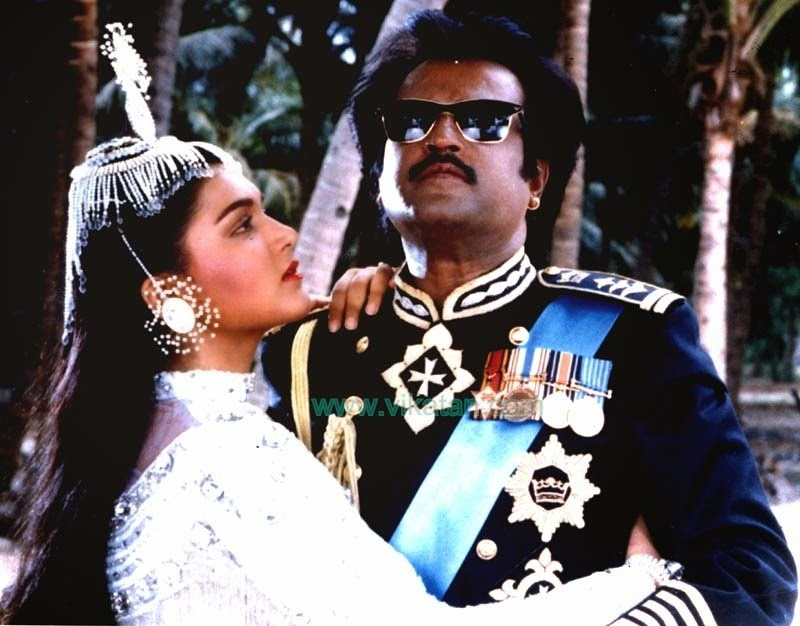 KUSHBOO WITH RAJINIKANTH IN 'ANNAMALAI' MOVIE 1