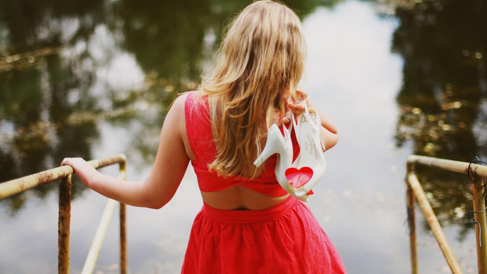 Фото девушек блондинок с каре со спины 19 фотография