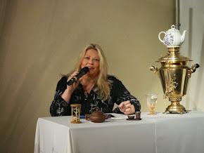 Silvia Ramos de Barton expuso en Expo Té